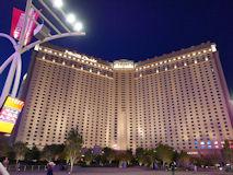 モンテカルロホテル、名称変更