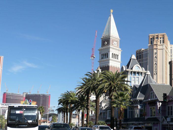 サンマルコの鐘楼。(左奥に見えるのは建設中のリゾートワールド)