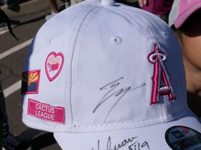 大谷にサインしてもらったカクタスリーグの公式キャップ。