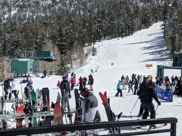 ラスベガスのホテル街から1時間以内で行けるスキー場「リーキャニオン」。3月14日に撮影。現在は閉鎖中。