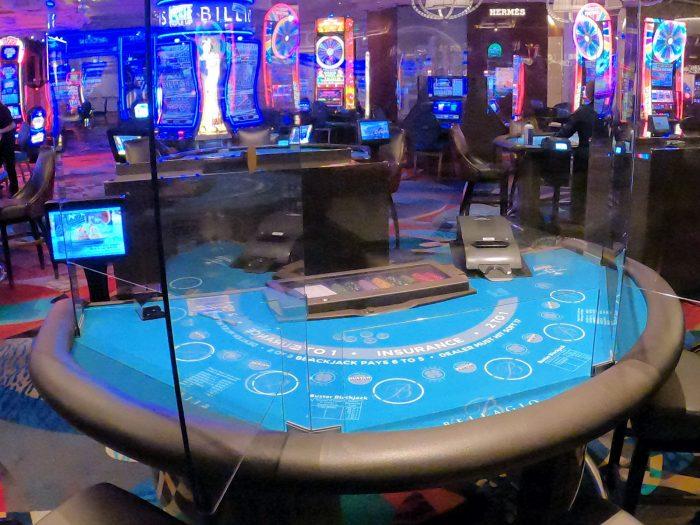 ベラージオホテルのカジノのブラックジャックテーブル