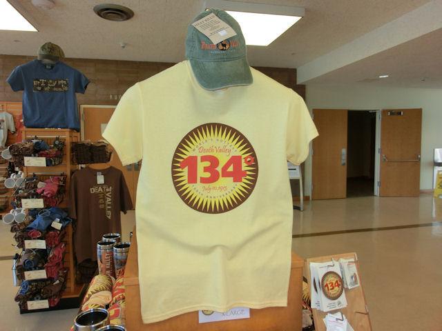 世界記録の華氏134度がプリントされたTシャツ