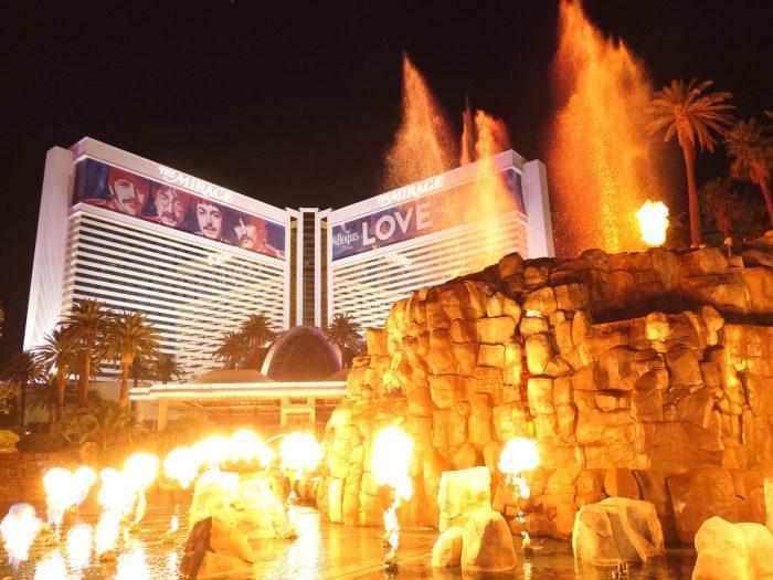 The Mirage ホテルの名物アトラクション「Volcano」(火山)