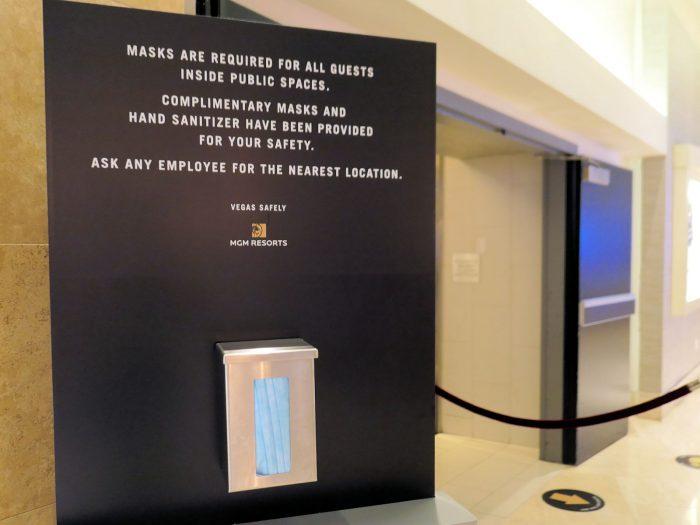 客室へのエレベーター乗り場