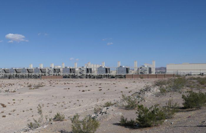見えている施設はすべて Google のデータセンター。(本誌撮影)