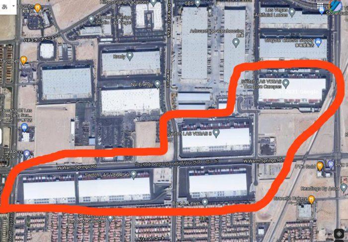 Switch社の施設の範囲。下に見える住宅と比べるといかに広大かわかる。(Google Map より)